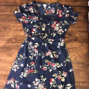 Converse women's dress. Floral size XS.